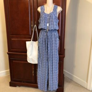 👛👛size small Chelsea & Violet gorgeous jumpsuit